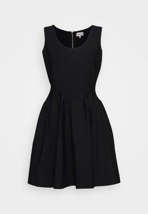 ENGINEERED PLEATS DRESS - Cocktailjurk - black