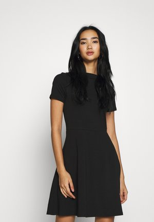 ONLLIVE LOVE BOATNECK DRESS - Žerzejové šaty - black