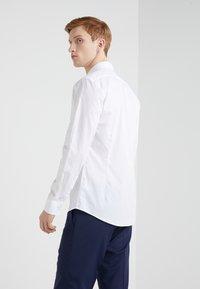 Tiger of Sweden - FILLIAM SLIM FIT - Formal shirt - white - 2