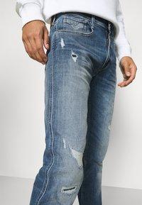 Replay - ANBASS AGED - Straight leg jeans - blue denim - 4