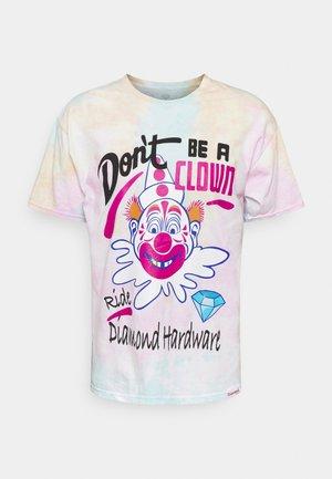 DON'T CLOWN TIEDYE TEE - Print T-shirt - multi-coloured