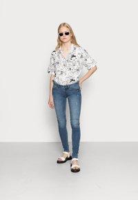 ONLY - ONLCORAL  - Jeans Skinny Fit - medium blue denim - 1