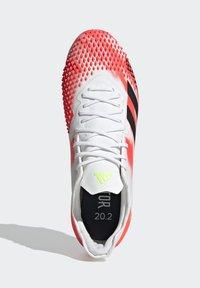 adidas Performance - PREDATOR 20.2 FG - Fotbollsskor fasta dobbar - ftwwht/cblack/pop - 0