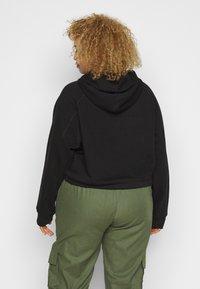 Fila Plus - ELAXI CROPPED HOODY - Bluza z kapturem - black - 2