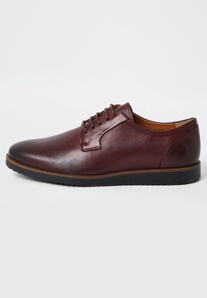 Smart lace-ups - red