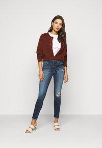 ONLY Petite - ONLBLUSH LIFE - Jeans Skinny Fit - medium blue denim - 1