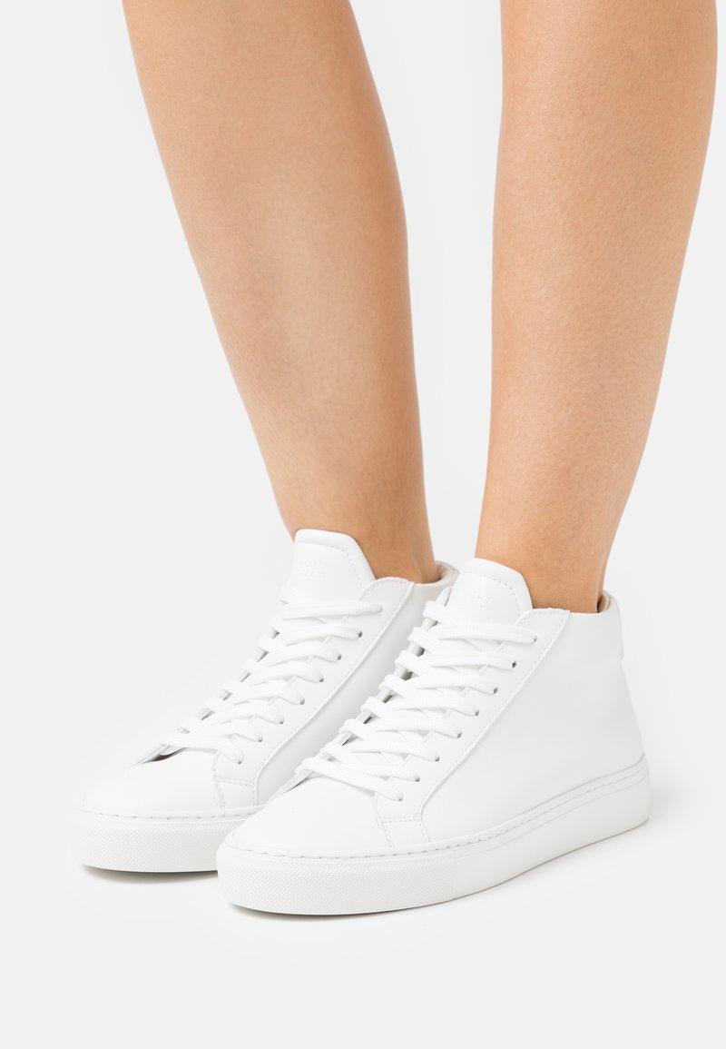 GARMENT PROJECT - TYPE MID VEGAN - Baskets montantes - white