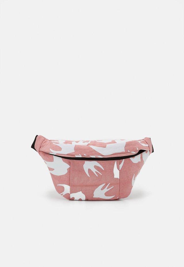 HYPER WAIST BAG - Marsupio - pink