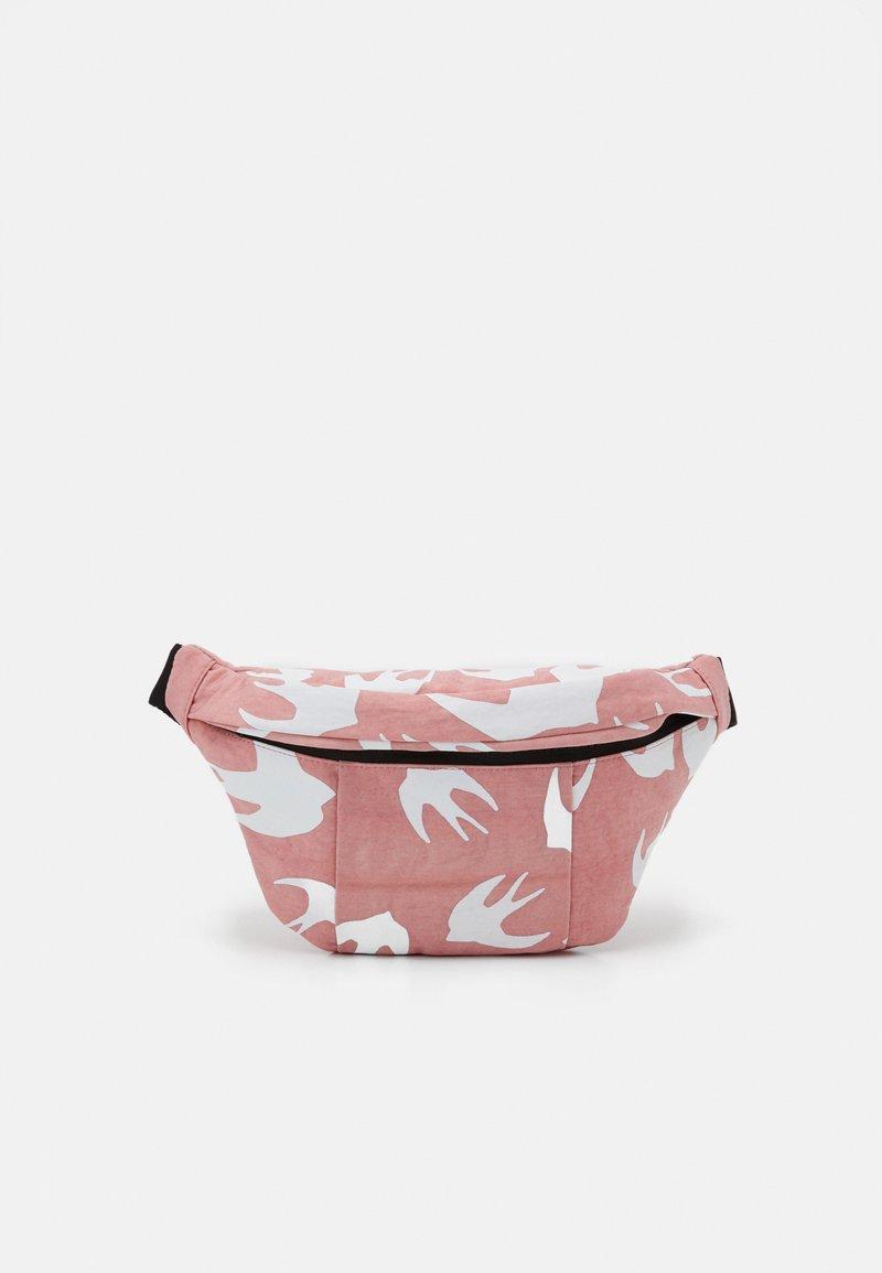 McQ Alexander McQueen - HYPER WAIST BAG - Vyölaukku - pink