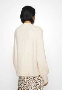 Monki - SONJA - Jumper - white dusty light - 2