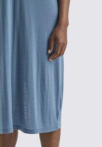 Icebreaker - W COOL-LITE - Jersey dress - granite blue - 3