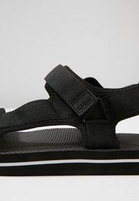 Slydes - NEVIS - Pantofle - black/white - 5