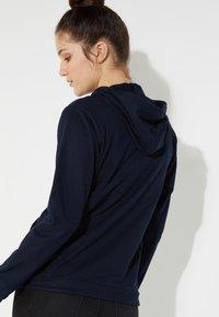 Tezenis - MIT REISSVERSCHLUSS UND TUNNELZUG - Zip-up hoodie - blu assoluto - 1