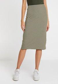 KIOMI - Pencil skirt - white/khaki - 0