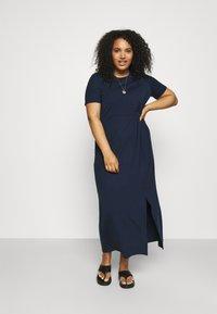 Vero Moda Curve - VMAVA LULU ANCLE DRESS - Maxi šaty - navy blazer - 0