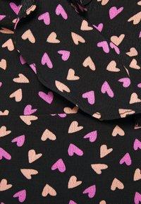 Colourful Rebel - TELSI HEARTS WRAP DRESS - Day dress - black - 4