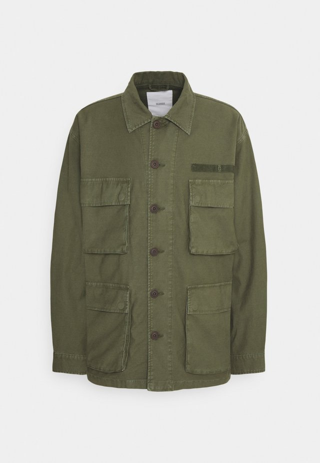 FIELD JACKET - Veste légère - grey fir