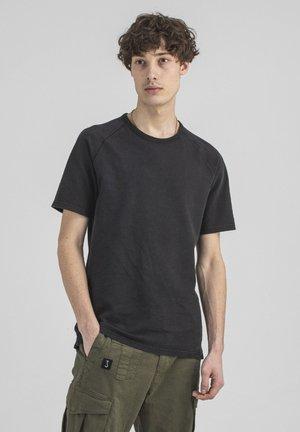 Basic T-shirt - off black
