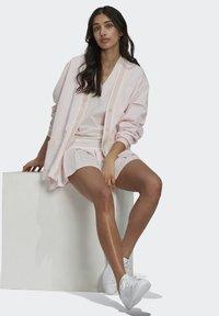 adidas Originals - TENNIS LUXE CARDIGAN ORIGINALS - Chaqueta de punto - pearl amethyst - 4