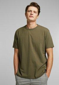 Esprit Collection - MIT COOLMAX - Basic T-shirt - dark khaki - 0