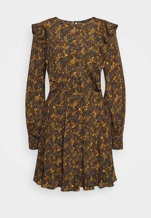 BLESS OFELIA DRESS - Denní šaty - dark green