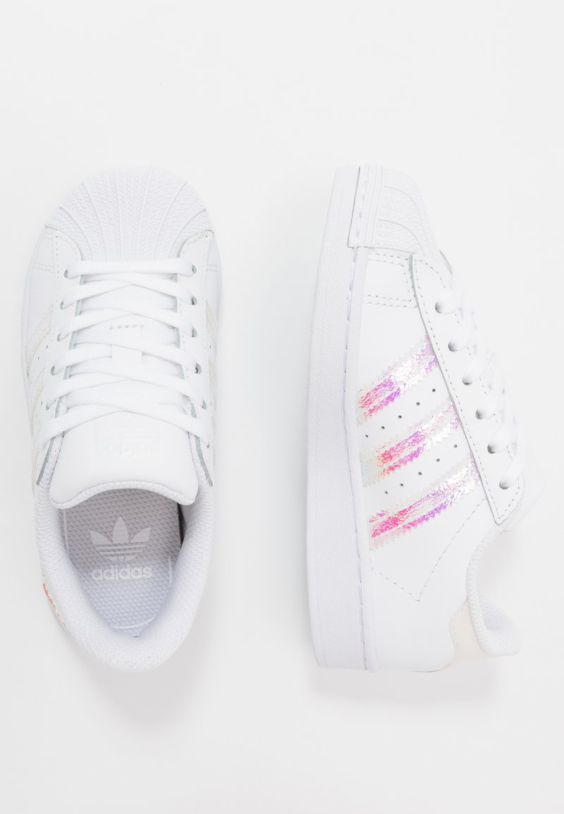 adidas Originals - SUPERSTAR - Sneakersy niskie - footwear white