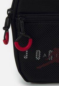 Jordan - JAN AIR FESTIVAL CROSSBODY BAG UNISEX - Taška spříčným popruhem - black - 3