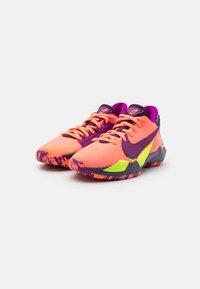 Nike Performance - FREAK 2 SE UNISEX - Koripallokengät - bright mango/red plum/volt/grand purple - 1
