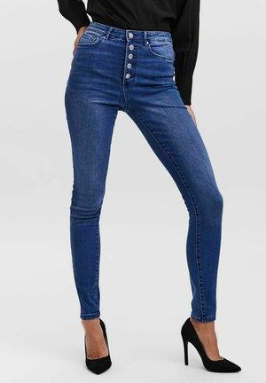 SKINNY FIT  VMSOPHIA - Jeans Skinny Fit - medium blue denim