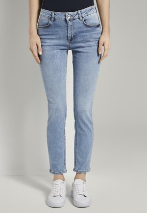 TOM TAILOR JEANSHOSEN KATE SLIM JEANS - Slim fit jeans - light stone blue denim