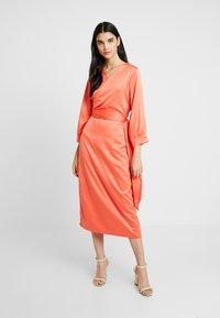Aéryne - COWRY DRESS - Vapaa-ajan mekko - mandarin - 2