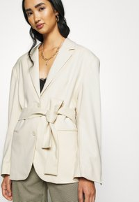 Monki - GABI - Manteau court - light beige - 5