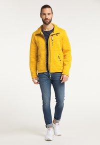 Schmuddelwedda - Fleece jacket - senf melange - 1