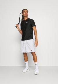 Nike Performance - SHORT HERITAGE - Korte broeken - white - 1