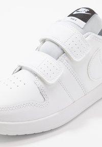 Nike Performance - PICO 5 UNISEX - Chaussures d'entraînement et de fitness - white/pure platinum - 2