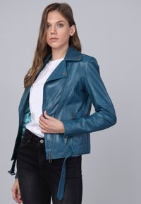 Basics and More - Leather jacket - oil blue - 4