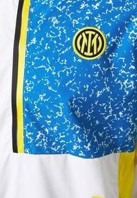 Nike Performance - INTER MAILAND - Club wear - white/tour yellow/black/blue spark - 2