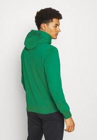 Champion - HOODED  - Sweatshirt - green - 2