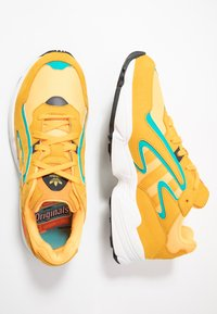 adidas Originals - YUNG-96 CHASM - Trainers - flash orange/active gold/ji-res aqua - 1