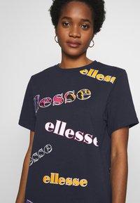 Ellesse - MIRI - Print T-shirt - navy - 4