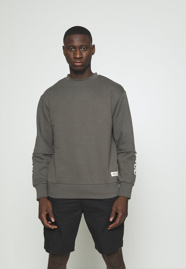DISTRESSED LAYERED - Sweatshirt - charcoal