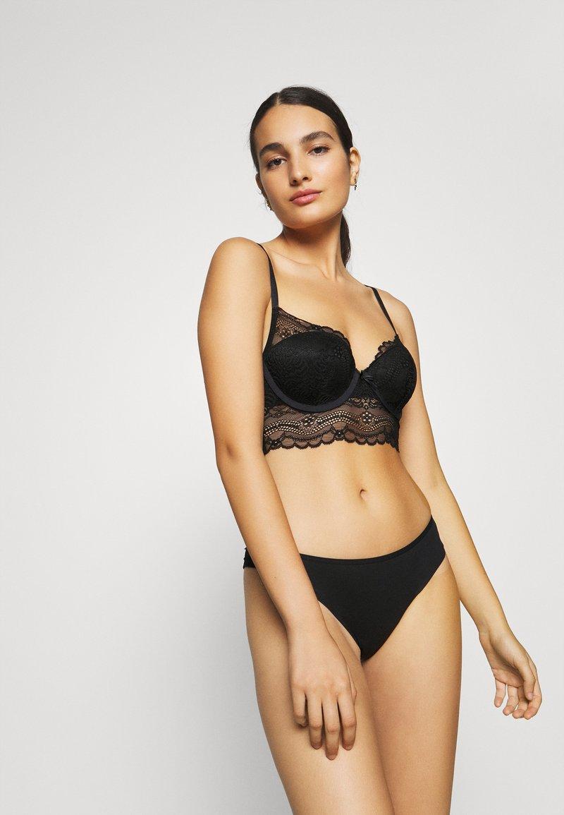 LASCANA - Underwired bra - black