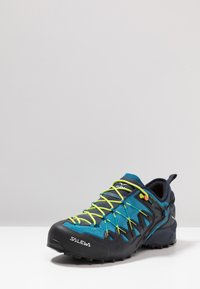Salewa - MS WILDFIRE EDGE - Climbing shoes - premium navy/fluo yellow - 2