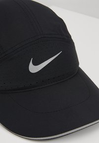 Nike Performance - AERO UNISEX - Lippalakki - black - 7