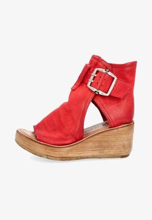 Sandalen met plateauzool - blood