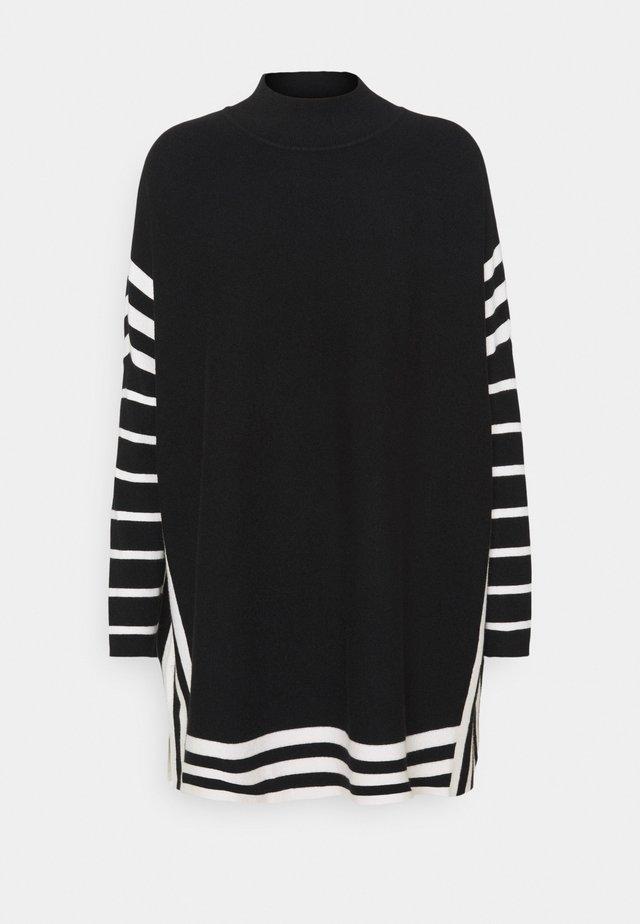 STRIPE TIPPED PONCHO - Jersey de punto - black