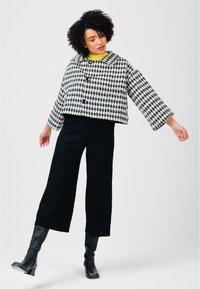 Solai - Summer jacket - black & white - 1