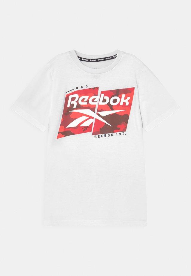 REEBOK CAMO LOGO TEE - T-shirt print - white