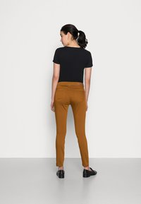 More & More - Trousers - brass - 2