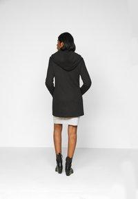 Vero Moda Petite - VMVERODONA JACKET - Classic coat - black - 2